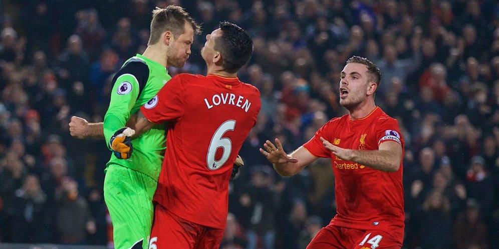 Clyne Ajak Rekannya Untuk Kembali Membawa Liverpool Menang