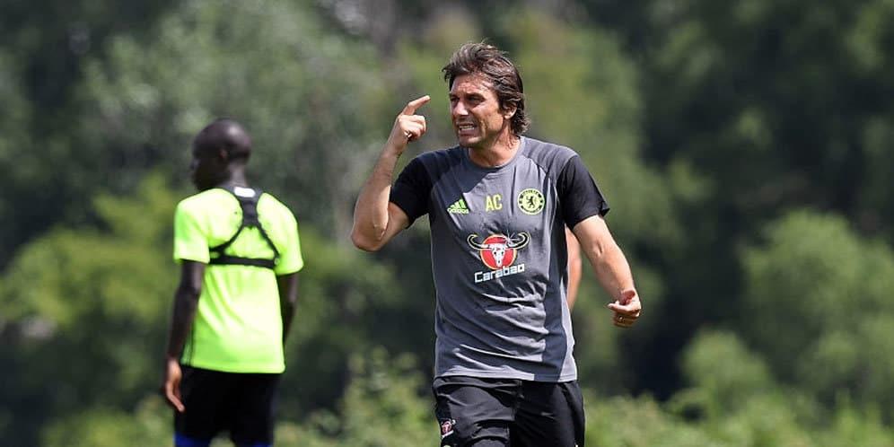 Conte Diskusikan Hasil Buruk Dengan Para Pemain